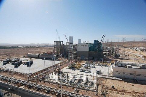 ↑ 롯데건설이 시공하고 있는 요르단 알카트라나 화력발전소 공사 현장