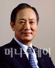 """김승유 회장 """"M&A 한두번 하나, 론스타에 안당한다"""""""