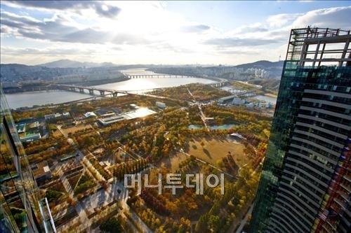 ↑ 갤러리아포레 101동에서는 한강과 서울숲이 한눈에 들어온다. ⓒ한화건설 제공