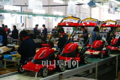 ▲웨이포트의 제초기 생산라인 모습.