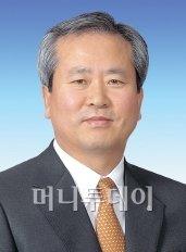 """신상훈 사장 """"법정에서 명예회복 하겠다"""""""