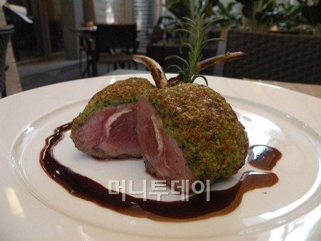 """""""고백 성공률 100%""""…분위기 좋은 레스토랑"""