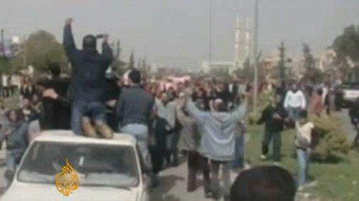 ↑ 리비아 친정부 세력과 반정부 세력 간의 교전. ⓒ알자지라방송