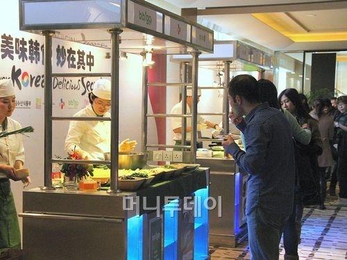비빔밥 전문 비비고, 상하이서 인기만점