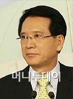 """""""신공항, 원점으로"""" 김형오의 소신"""
