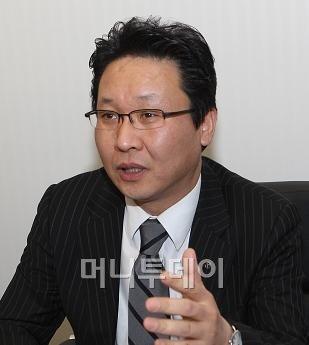 """""""'명품 랩' 걸맞는 자산배분 서비스""""-신한금융"""