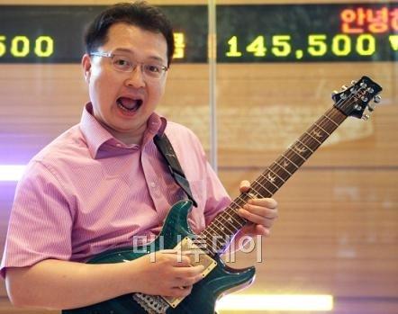 """""""음악도 주식처럼..."""" 밴드서바이벌 16강 도전 증권맨"""