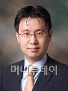 ↑한병화 현대증권 연구원.
