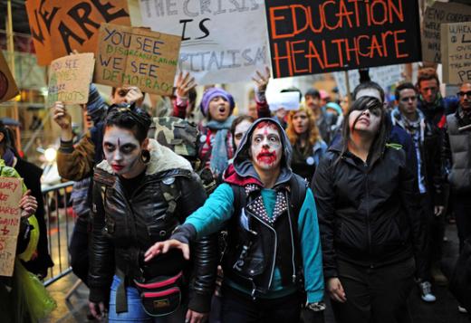 뉴욕 맨해튼 월스트리트, 좀비 복장 시위대 모습 (사진=AFP) News1