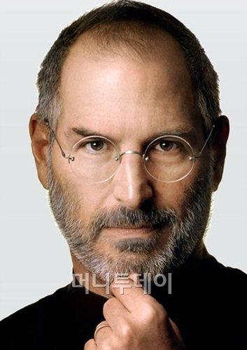 """애플 """"창의적인 천재가 떠났다"""" 잡스에 헌사"""