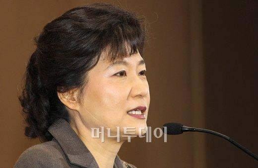 """박근혜 """"정치의 위기, 나경원 지원하겠다"""""""