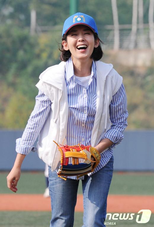 [사진]나경원 후보, '야구 재미있어요!'