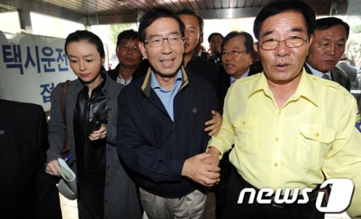 [사진]서울개인택시 기사들 찾은 박원순 후보