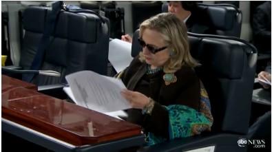 힐러리, 카다피사망 이틀전 C-17타고 리비아 전격 방문