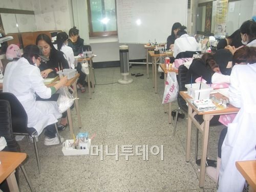 천안 나레스트 미용학원, '네일아트 무료 특강' 개최