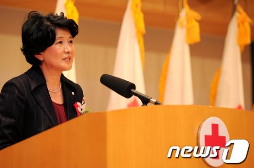 [사진]기념사하는 적십자 유중근 총재