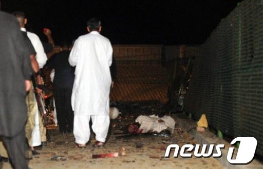 파키스탄 카라치에서 일어난 폭탄테러 현장 (AFP=News1)