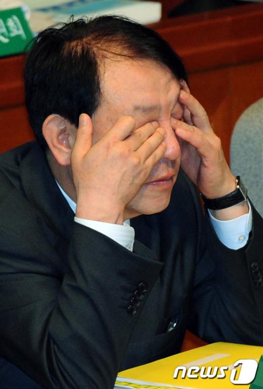 [사진]'피곤한 장관님'
