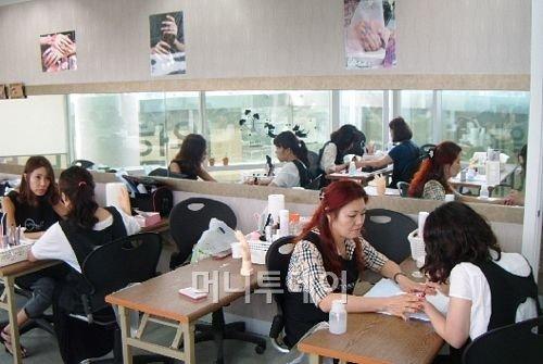 나레스트 성남캠퍼스, 네일 아티스트를 위한 '젤' 세미나 개최