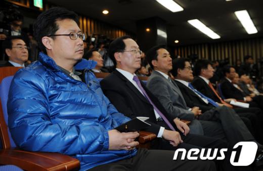 [사진]단식 5일째 정태근 의원, 의원총회 참석