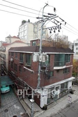 ↑영화배우 이정재가 매입한 서울 강남구 신사동 건물ⓒ이기범 기자