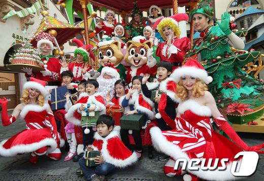 [사진]산타와 함께하는 즐거운 크리스마스