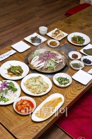 서울식불고기와 세미한정식 풍의 반찬으로 만족도 배가시킨 곳..