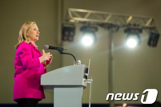 [사진]부산세계개발원조총회 참석한 힐러리 장관