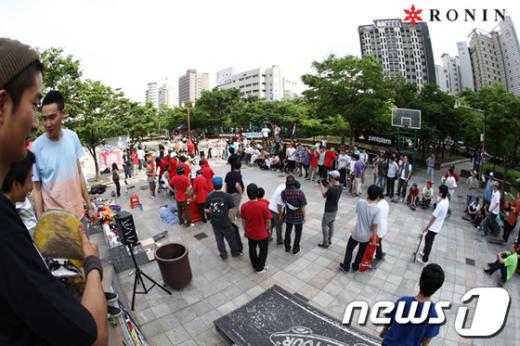2010년 6월 컬트에서 개최된 '제3 회 로닌 스케이트보드 대회''/사진제공=로닌  News1