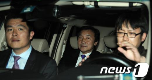 [사진]전당대회장 떠나는 손학규 대표