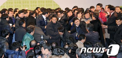 [사진]아수라장 민주당 대의원대회
