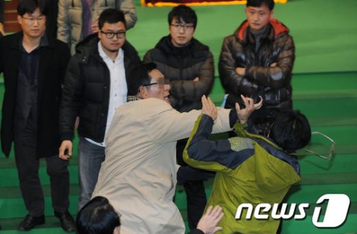 [사진]'주먹다짐 전당대회'