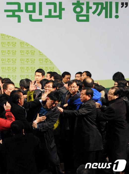 [사진]민주당 전당대회 '국회 본회의장 복사판'