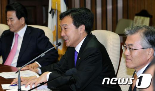 [사진]손학규, 민주통합당 연석회의 발언