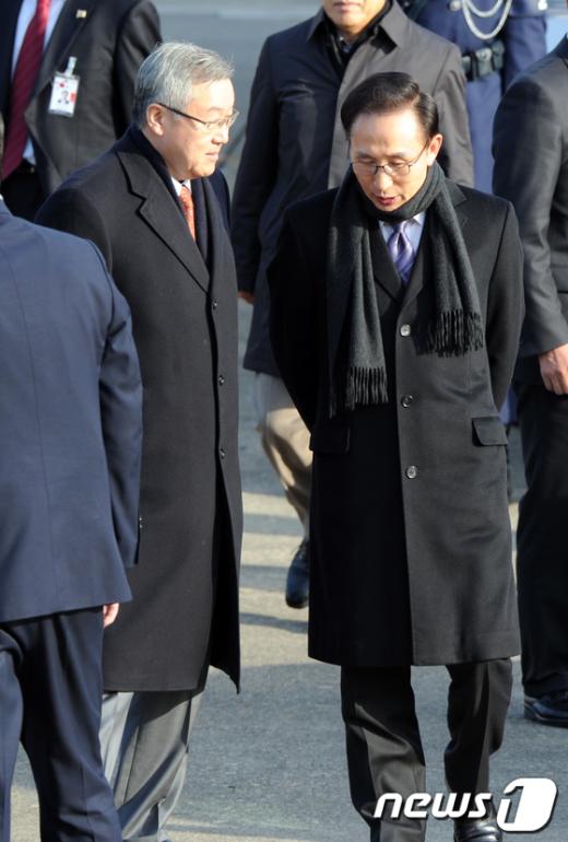[사진]이명박 대통령, 日총리에 '위안부 우선해결' 요구
