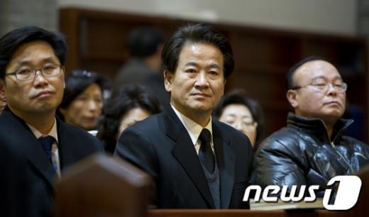 [사진]추모미사 참석한 정동영 최고위원