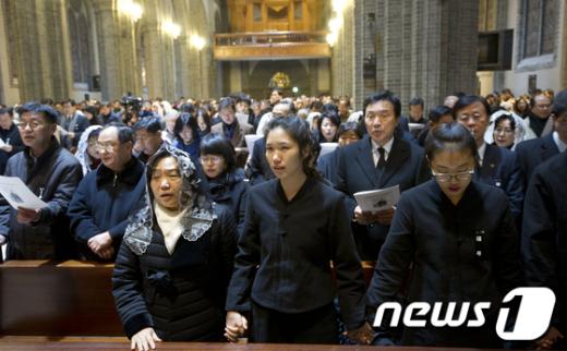 [사진]故김근태 고문 추모미사