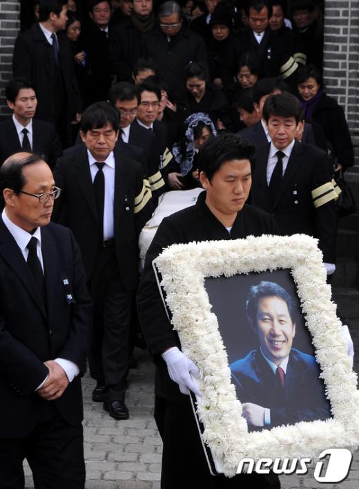[사진]故 김근태 '마지막 가는길'