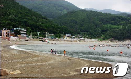 전남 여수 만성리 해수욕장/사진제공=여수시 News1