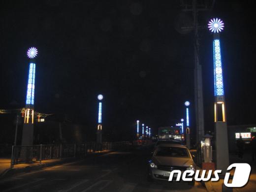 '빛의 거리' 조성을 마친 서산 해미읍성 일원의 야경 News1
