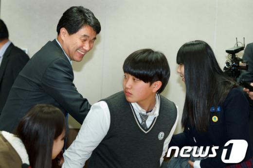 [사진]학생들 직접 만난 이주호 장관