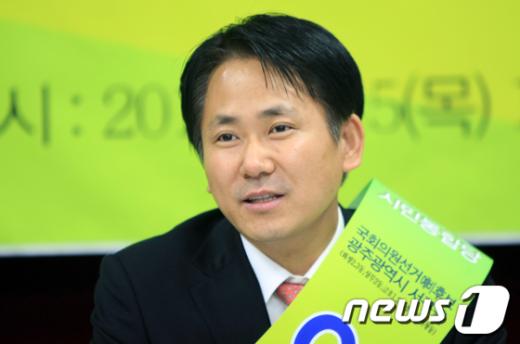 이상갑 민주통합당 광주 서구을 예비후보.  News1 김태성 기자