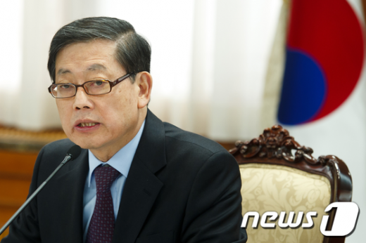 [사진]규제개혁위원회 주재하는 김황식 총리