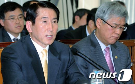 [사진]답변하는 조현오 경찰청장
