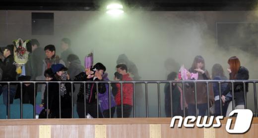 [사진]아수라장 졸업식장
