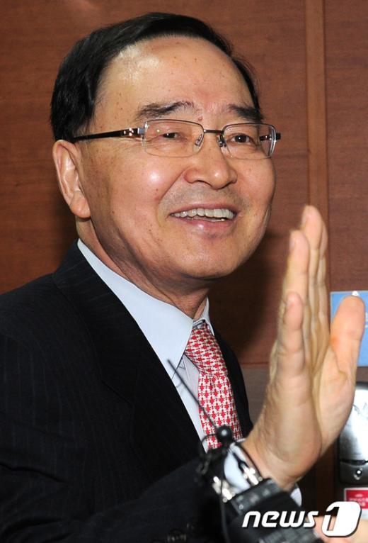 [사진]공천위 회의 참석하는 전홍원 위원장