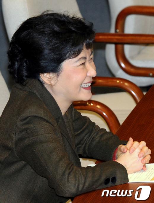 [사진]박근혜 비대위원장의 미소