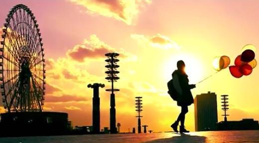 오다이바의 석양과 대관람차, 아이유의 도쿄 여행이야기를 담은 스페셜영상 'Last Fantasy'가 화제다(사진 = 영상 중 한 장면)