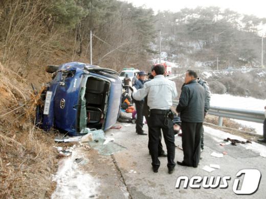 처참한 사고현장/사진제공=안동소방서  News1
