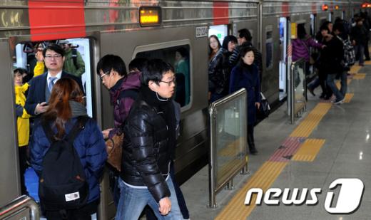 [사진]1호선 청량리역 운행 재개